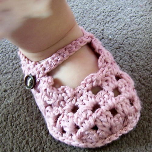 Sole Lovely Mary Janes - Free Pattern