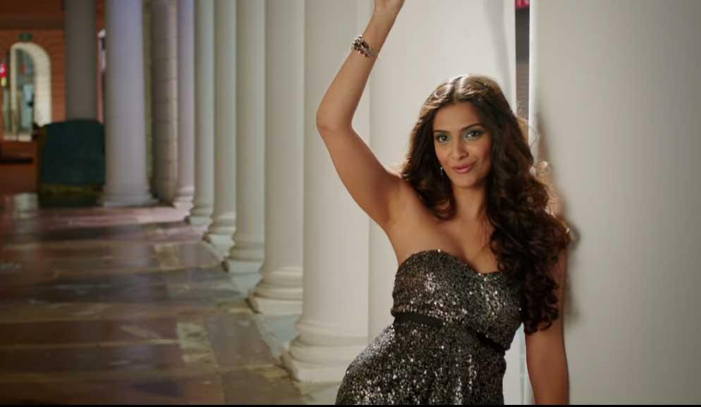 Sonam Kapoor Armpits Hot