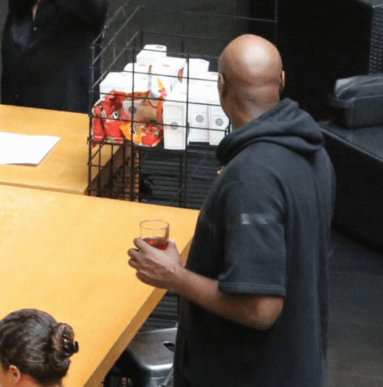 1a3 Photos: Lamar Odom seen drinking again months after overdose