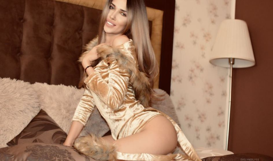 EvelyneBlyss Model GlamourCams