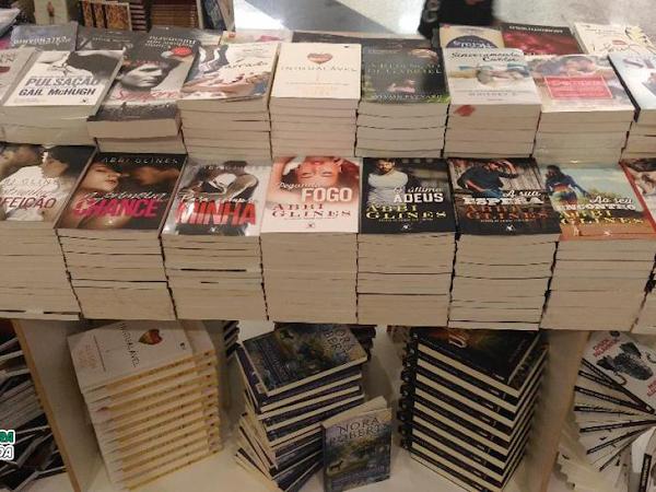 Promo Livros no Shopping Park Lagos, em Cabo Frio, RJ: Livros a R$ 10