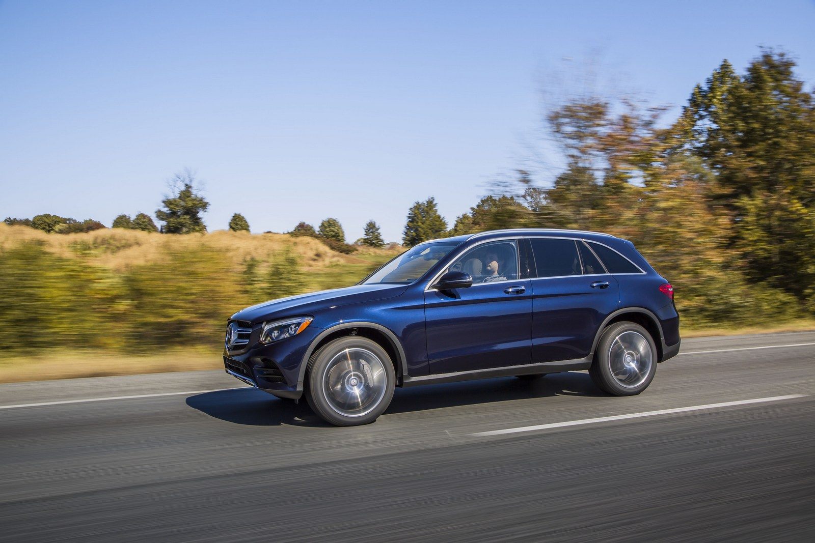 Mercedes-Benz Set To Claim The Luxury Sales Crown In The U ...
