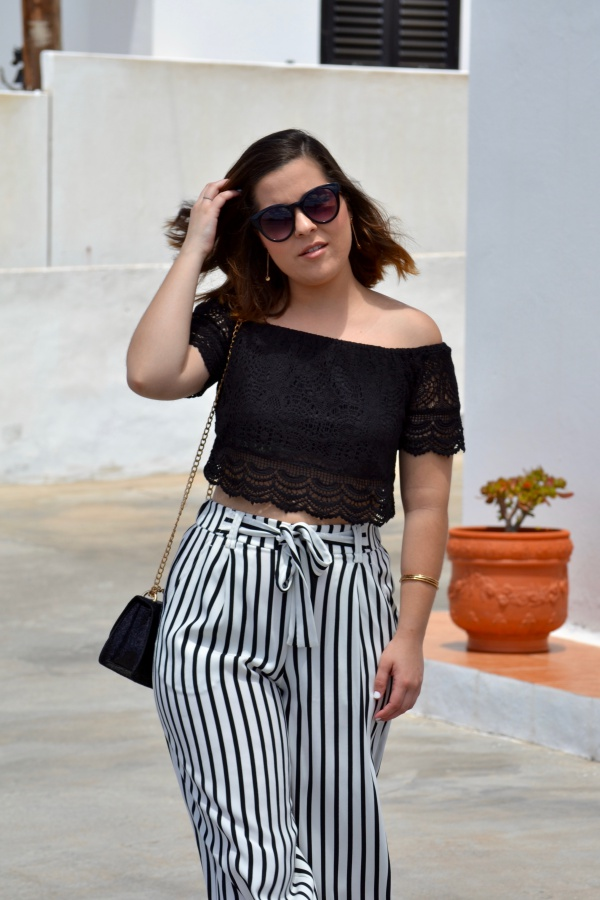 look_crop_top_crochet_pantalones_culotte_lolalolailo_03