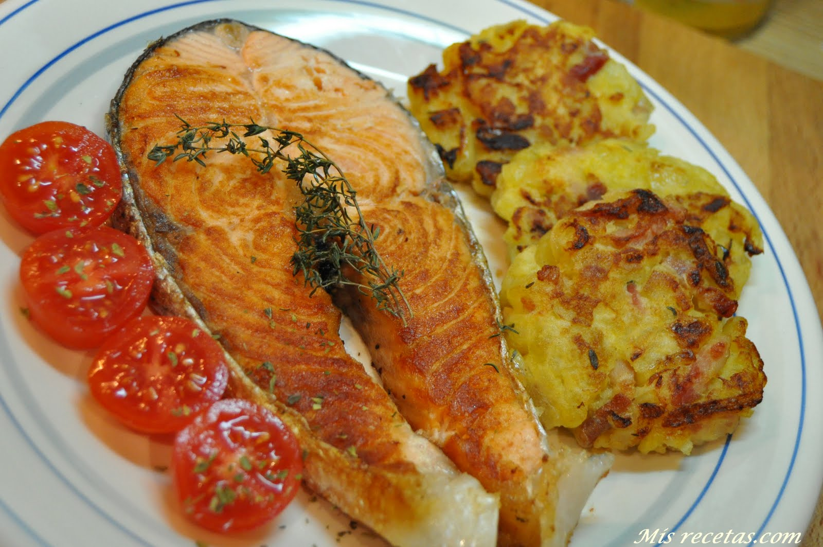 Mis recetas com salm n a la plancha con tortas de patata for Cocinar pez espada a la plancha