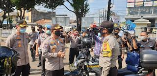 BJP Edy Murbowo SIK,.M.si Tinjau Dapur Umum TNI-POLRI Peduli Covid-19
