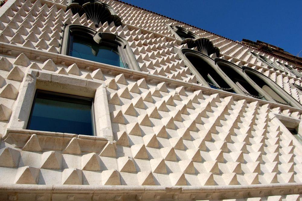 Casa dos Bicos