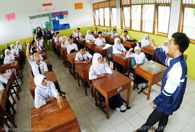 Mahasiswa KKN Undip Ajak Generasi Muda Lestarikan Mangrove