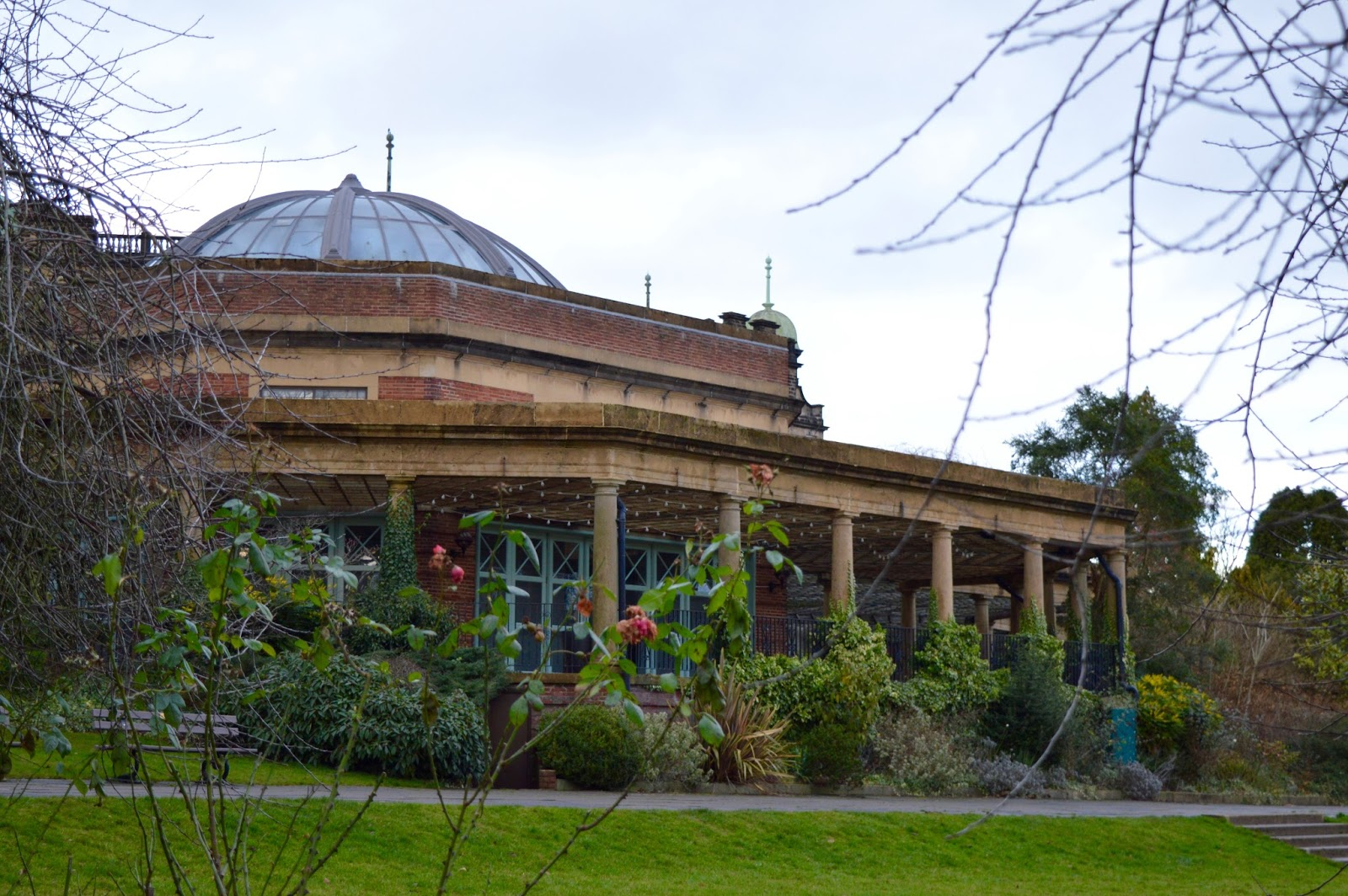 What to do in Valley Gardens, Harrogate | Play area, Pitch & Putt, events & more - sun pavillion