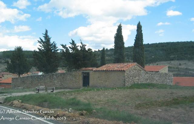arroyo-cerezo-castielfabib-cementerio-fachadas