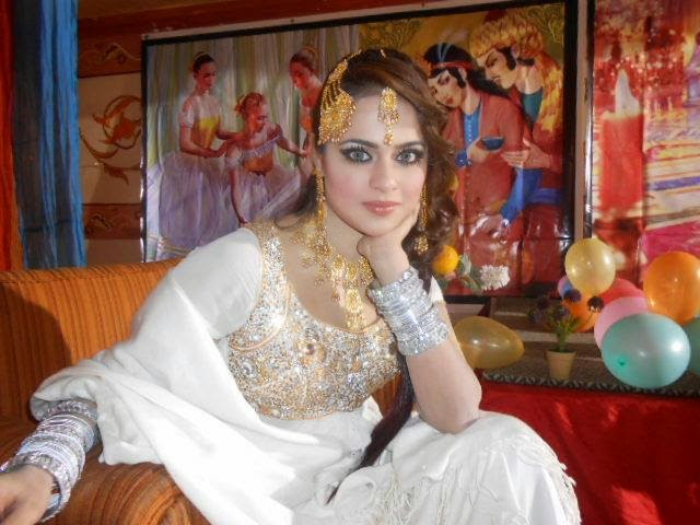 Pashto Dancer Nadia Gul Six: Hot Mujra: Sobia Khan Famous Pashto Hot Dance HD Video 2014