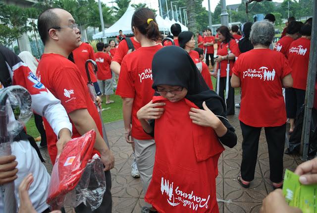 LOVE Walk-a- Payung!