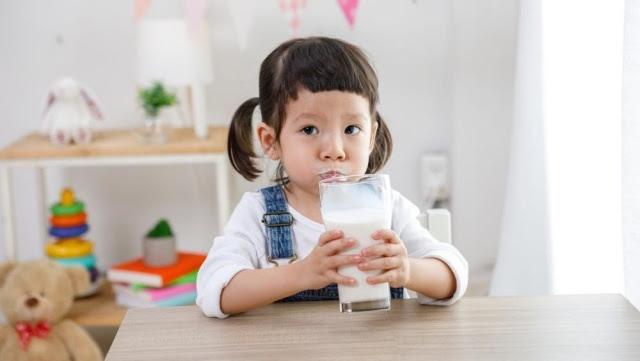 6 Manfaat Susu Cair untuk Tubuh