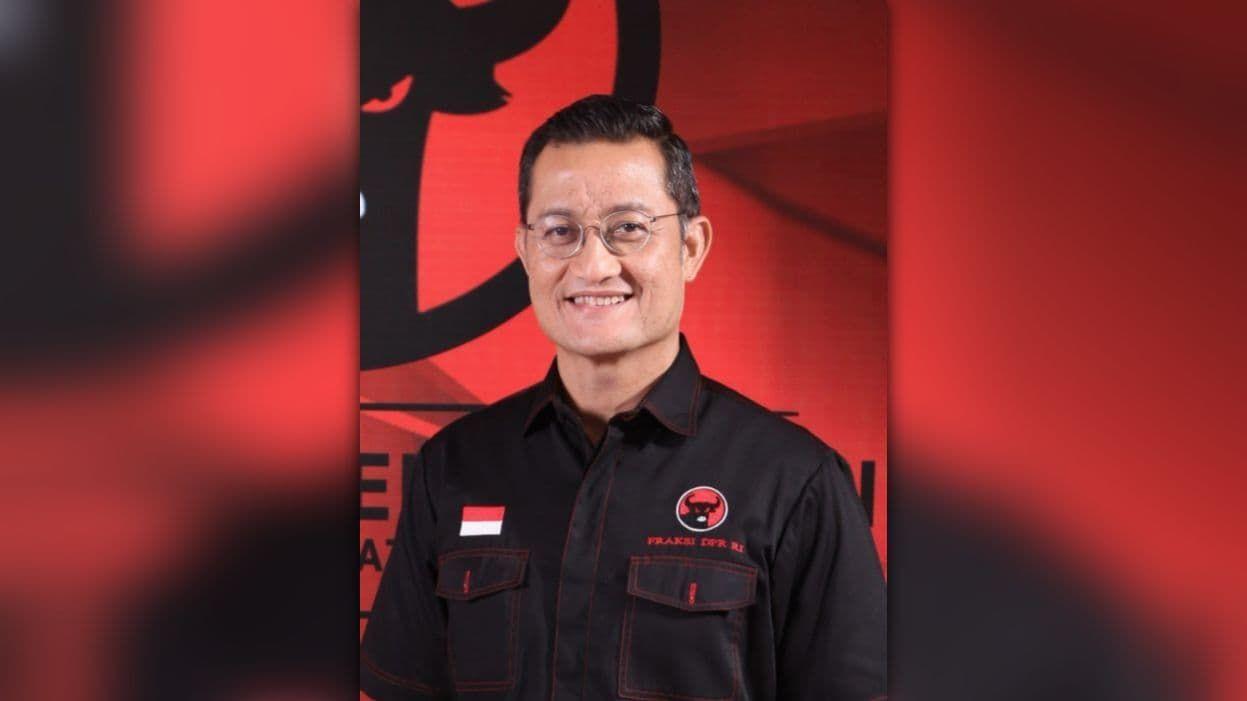 ICW Heran Kenapa PDIP Tak Kunjung Memecat Juliari Batubara
