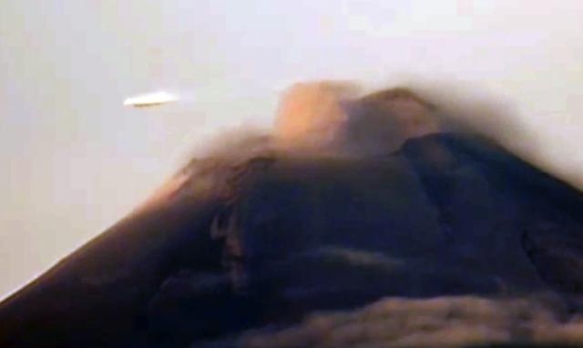 UFO News ~ UFO Surround Hot Air Balloon Over Netherlands plus MORE Ovni%252C%2Bomni%252C%2Bplane%252C%2Barizona%252C%25E3%2583%25AA%25E3%2582%25A2%25E3%2583%25B3%252C%2B%2BUFO%252C%2BUFOs%252C%2Bsighting%252C%2Bsightings%252C%2Balien%252C%2Baliens%252C%2BET%252C%2Banomaly%252C%2Banomalies%252C%2Bancient%252C%2Barchaeology%252C%2Bastrobiology%252C%2Bpaleontology%252C%2Bwaarneming%252C%2B