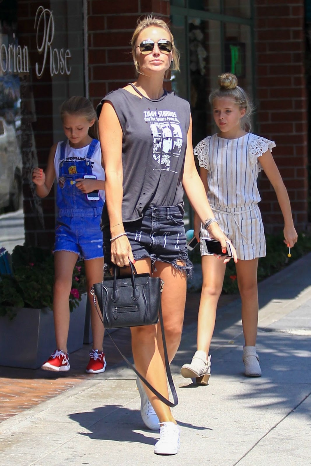 HQ Photos of Alex Curran in Short Jeans at A Nail Salon in Beverly Hills