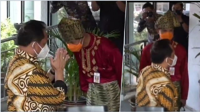 Bikin Ngakak Momen Lucu Mendagri Tito Cueki Gubernur Jateng, Ganjar Dikira Penerima Tamu