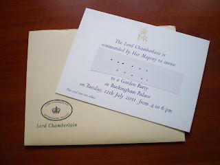 hausfrau einladung zur gartenparty bei der queen. Black Bedroom Furniture Sets. Home Design Ideas