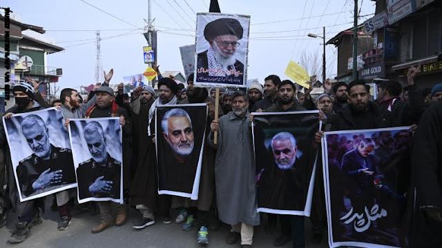 مراسم جنائزية لسليماني في كربلاء والنجف قبل نقل الجثمان إلى طهران السبت