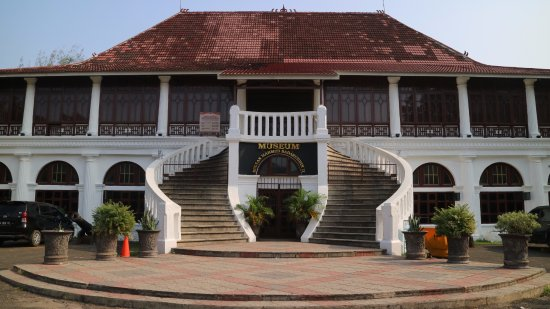 Tempat Wisata Bersejarah di Palembang