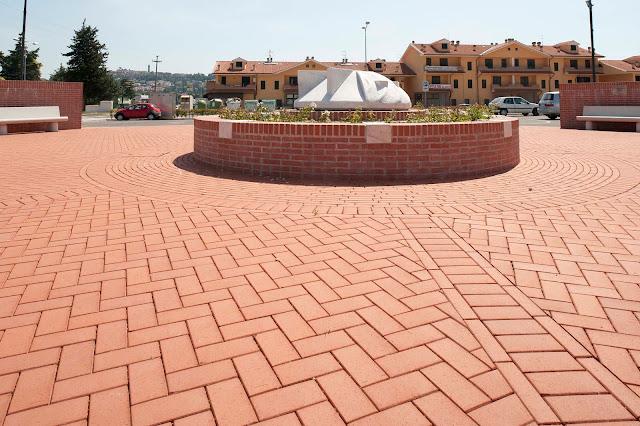 pavimento esterno-pavimento in cotto-piastrelle