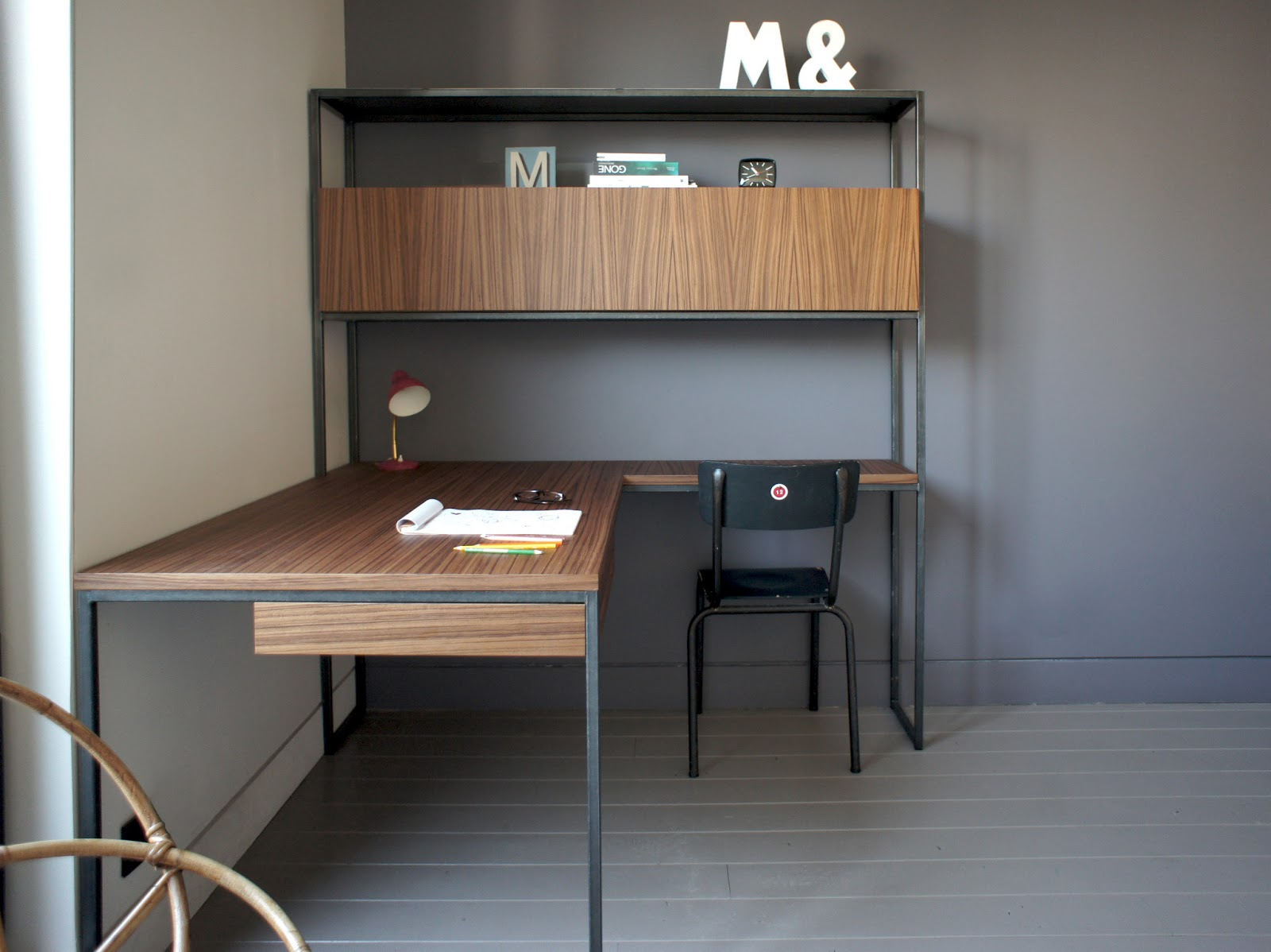 aur lie berthet 2013 bureau pour la chambre d 39 une jeune fille. Black Bedroom Furniture Sets. Home Design Ideas