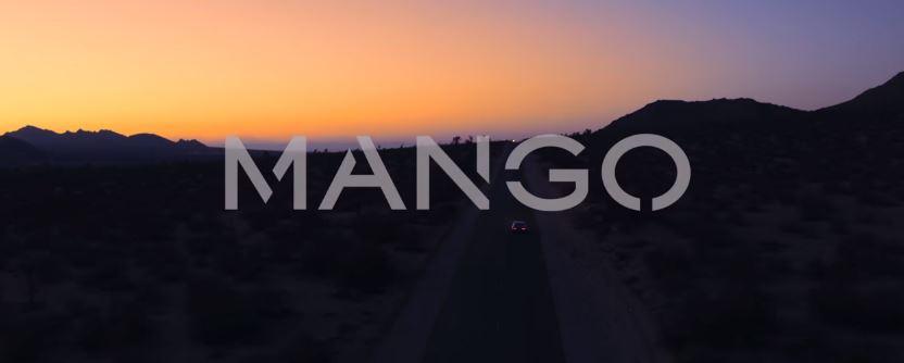 Modella Pubblicità Mango AW 16 con ragazze che saltano sul letto e Foto