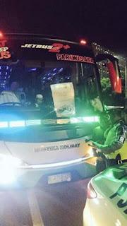 Bis yang menggunakan lampu berlebihan seperti strobo warna hijau juga ditindak