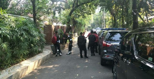 Paspampres Berdatangan ke Rumah KH Ma'ruf Amin