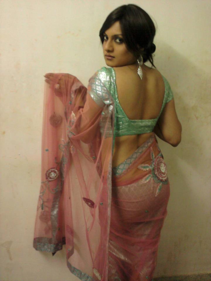 sexy-aunty-in-saree