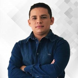 O radialista Pedro Junior apos afirmar ao vivo na Rádio Rural AM, de Guarabira  permaneceria na Rádio Rural até em quanto o diretor geral me quisesse, hoje se desligou da emissora