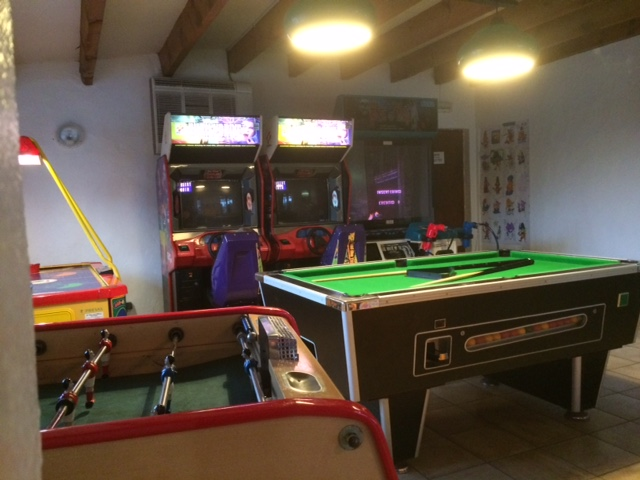 Foto de la Sala de juegos. Camping Itsas Mendi | caravaneros.com