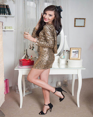 short gold dress with sequins