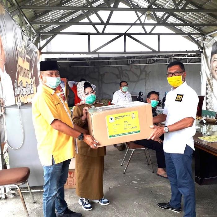 Peduli Covid-19, Golkar Lampung Serahkan Bantuan