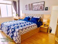 Thuê chung cư Saigon Pearl 2 phòng ngủ - sàn gỗ cao cấp tại phòng ngủ