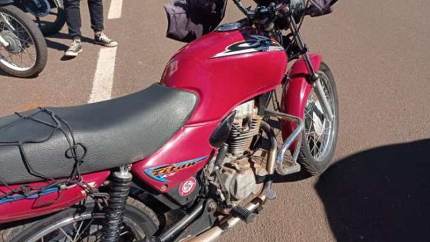 Idosa é atingida por motocicleta ao atravessar a Rua Santos Dumont em Toledo