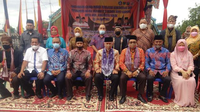 Foto bersama di acara Grand Design Pemajuan Kebudayaan Nagari Koto Gadang Koto Anau, Sabtu 3 April 2021. (Dok. Istimewa)