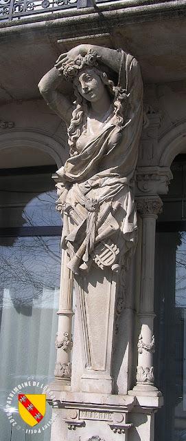 TOUL (54) - Maison aux caryatides (1872)