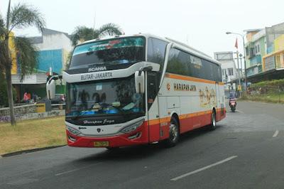 Foto Bus Harapan Jaya 466