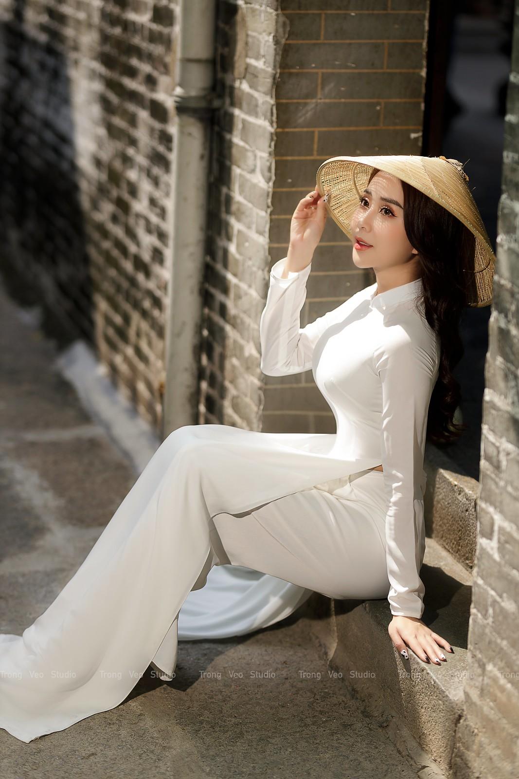 Ngắm hot girl Lục Anh xinh đẹp như hoa không sao tả xiết trong tà áo dài truyền thống - 7