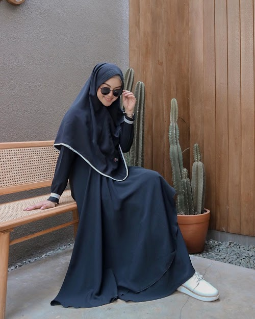 5 Tips  untuk Hijabers Bertubuh Pendek agar Terlihat Agak TInggi