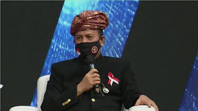Boy Rafli Pakai Kostum Adat Minang Saat Deklarasi Kesiapsiagaan Nasional di Acara Salam Indonesia Harmoni