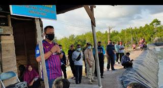 PLt Bupati Lingga kali ini Panen 1 Ton udang  Vaname dari Dua Desa