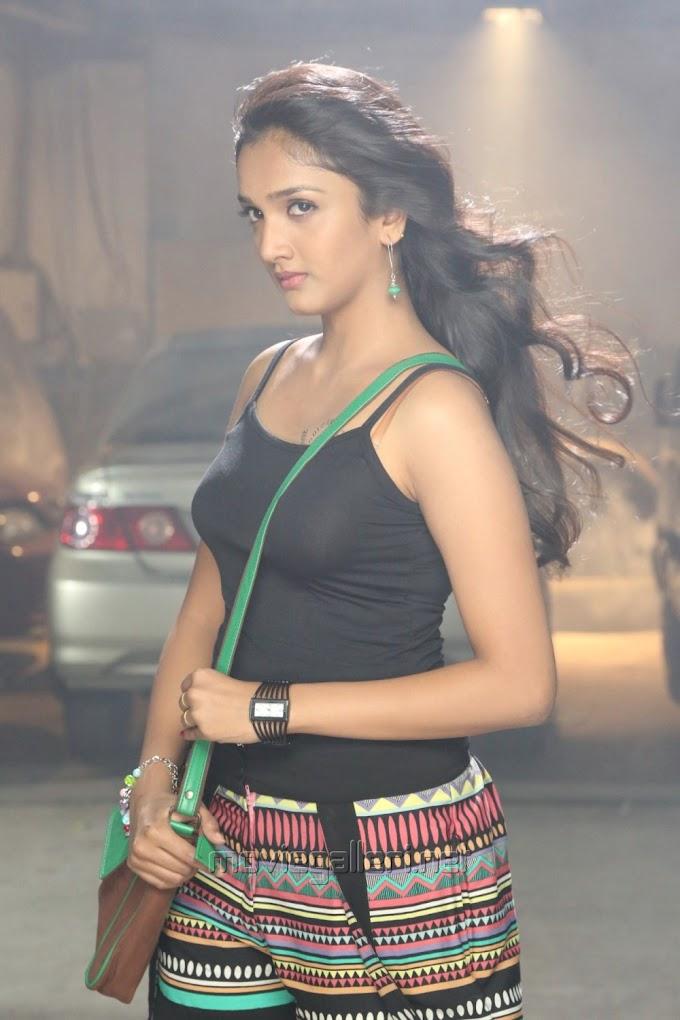 Actress Swasthika in Aayirathil Iruvar Movie Stills #Swasthika