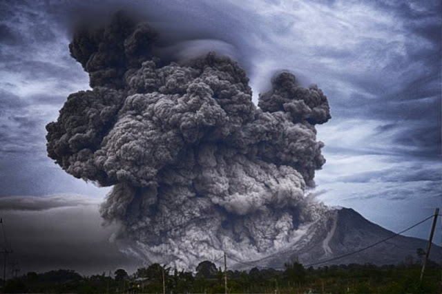 Letusan gunung berapi terbesar