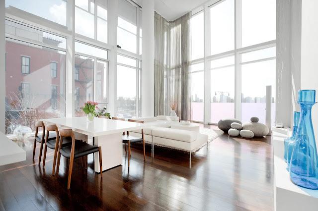 Cara Menyiasati Pencahayaan pada Atap Rumah yang Tinggi