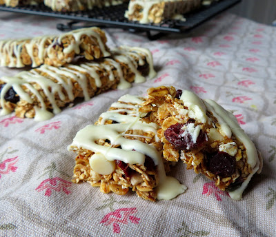 White Chocolate and Cranberry Granola Bars
