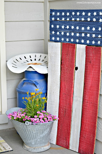DIY Patriotic Pallet Flag Summer Decor - One Mile Home Style
