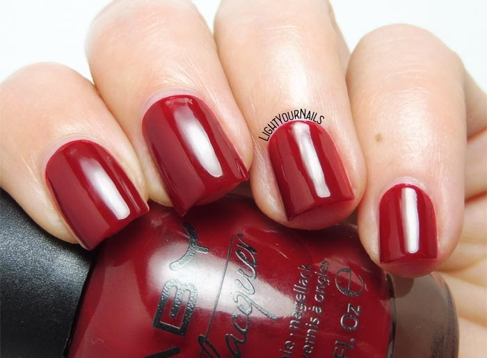 Smalto laccato rosso Faby I know what is best red creme nail polish #faby #lightyournails