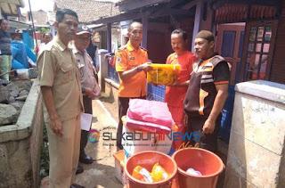 *BPBD Kota Sukabumi serahkan sumbangan pada korban kebakaran*