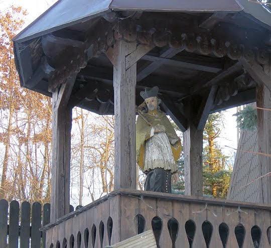 Bystra. Św. Nepomucen z XVII wieku nad Bystrzanką.